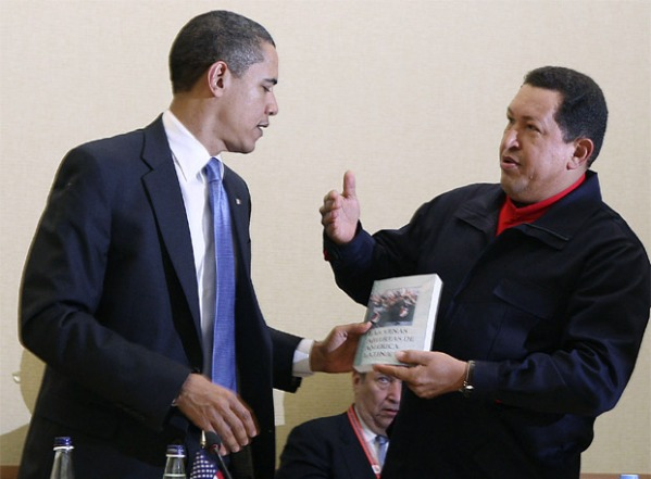 chavez regala a obama las venas abiertas de america latina