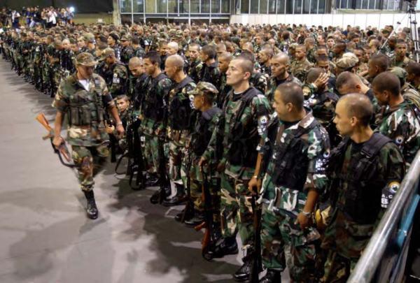 """Reunión de Paramilitares """"desmovilizados"""" según el gobierno de Alvaro Uribe"""