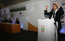 """el """"intelectual"""" Jorge Quiroga en el foro derechista de Cedice"""