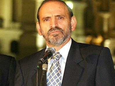 Para muchos, responsable de la masacre de Bagua; El primer Ministro Yehude Simon renuncia hoy a su cargo en el gobierno de Alan Garcia