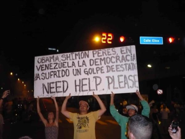 avances del fascismo en las calles de Caracas, intentando un golpe de estado ante la victoria de maduro